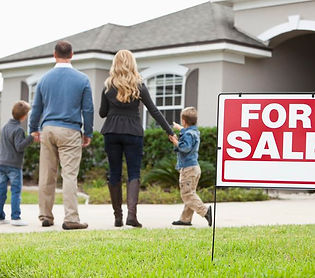 Do you hav questions on whether to use a real estate agent or real estate attorney when buying or selling your house? We can help. Call 303-618-2122.