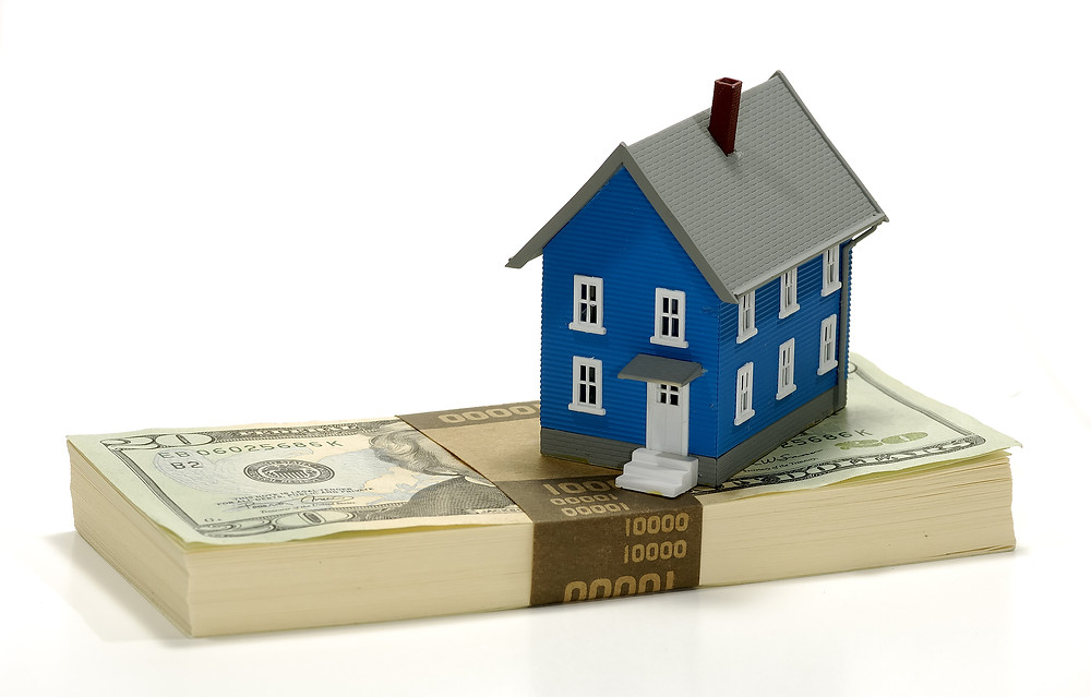 Gantenbein Law Firm's real estate lawyers in Denver can assist with the terms of your refinanced mortgage. 303-618-2122.