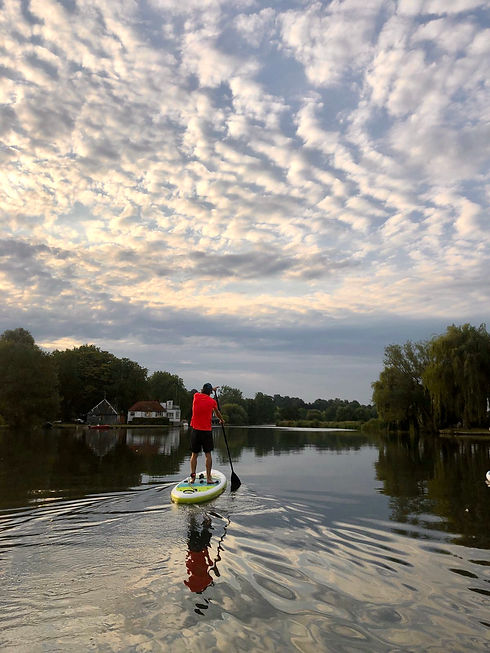 Paddle boarding Henley on Thames