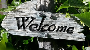 welcome-sign-724689_960_720.webp