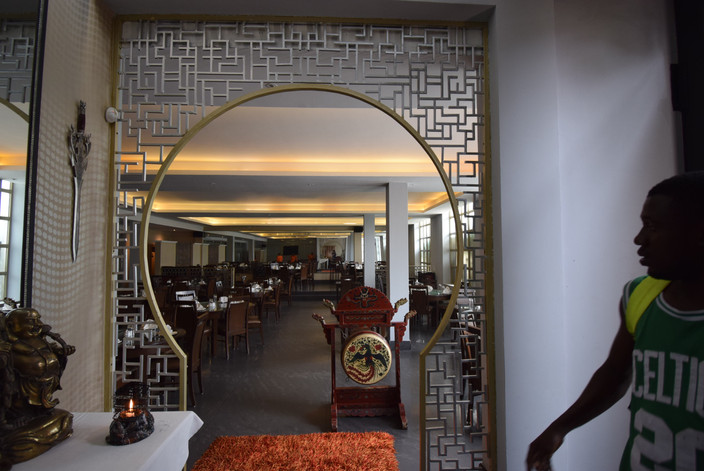 noble-house-chinese-restaurant-ambiance