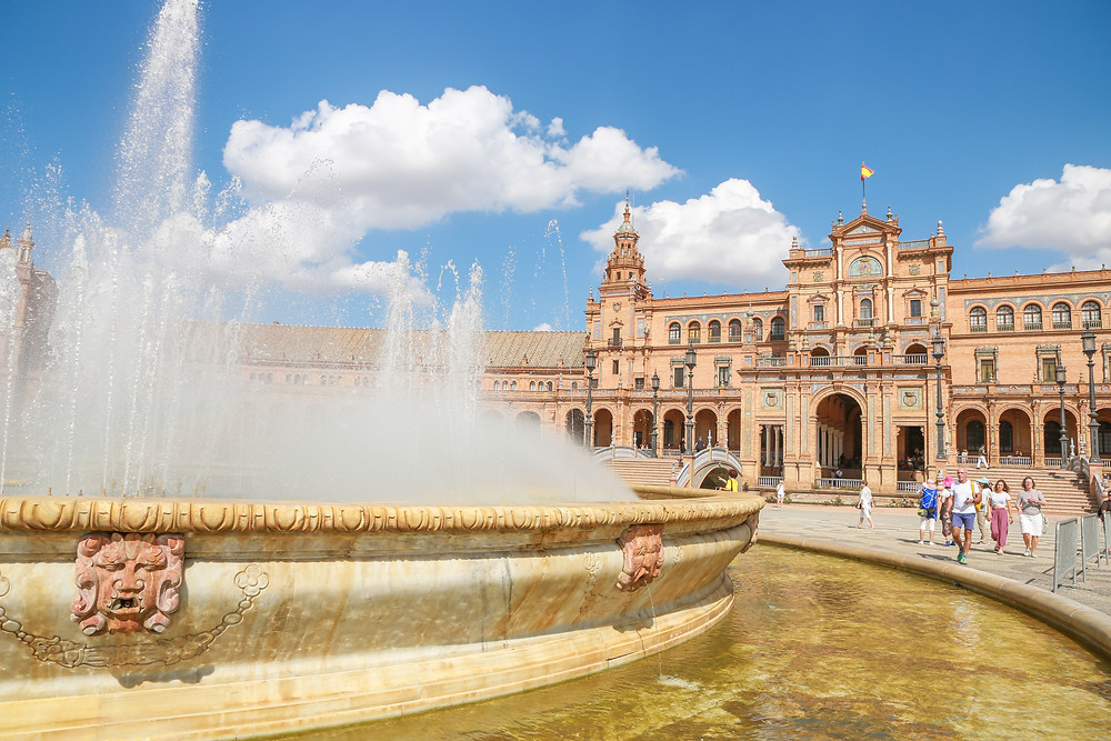 Sevilla, España, Seville, Spain, study abroad, Rose Wine Photography, plaza de España, fountain
