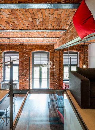 Кирпичный потолок в интерьере