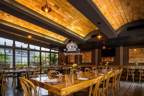 кирпичный потолок кладка в ресторане