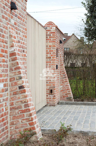 Забор - кладка из кирпича фото
