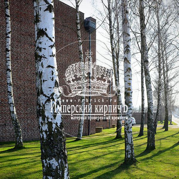фасад дома облицованный старинным московским кирпичем