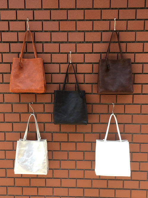20539 紙袋型レザートートバッグ