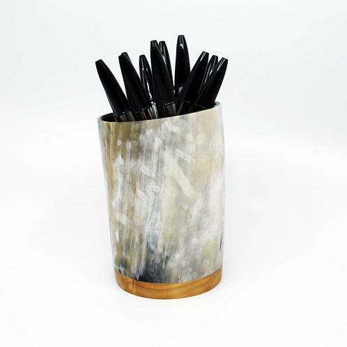 Pot à crayons en corne et peuplier (ref. pc2)
