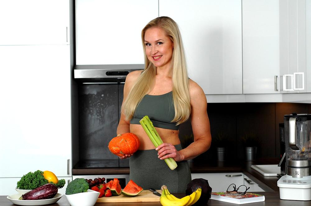 Kaisa Torres hyvinvointivalmentaja, elämäntaparemontit, ruoka, liikunta ja palautuminen