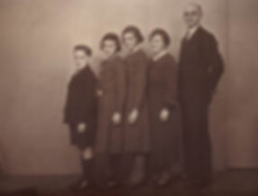 1939_nan_gordon_maisie_mum_dad.jpg