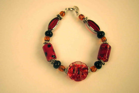 Bracelet from glass beads