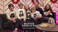 ZW-Überraschungs-Show_Family-thumbnail.j