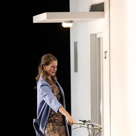 Die tote Stadt - Lucienne, Bayerische Staatsoper, Staging: Simon Stone
