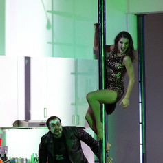 Die tote Stadt - Lucienne (Frank/Fritz: Andrzej Filonczyk), Bayerische Staatsoper, Staging: Simon Stone
