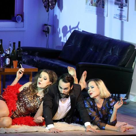 Die tote Stadt - Lucienne (Juliette:Mirjam Mesak, Gaston/Victorin: Manuel Günther), Bayerische Staatsoper, Staging: Simon Stone