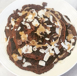 Çikolata Parçacikli Kakaolu Pancake