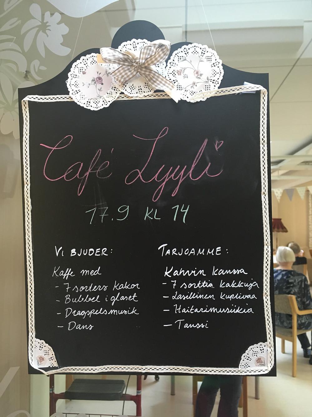 Fin skyltning av Café Lyyli