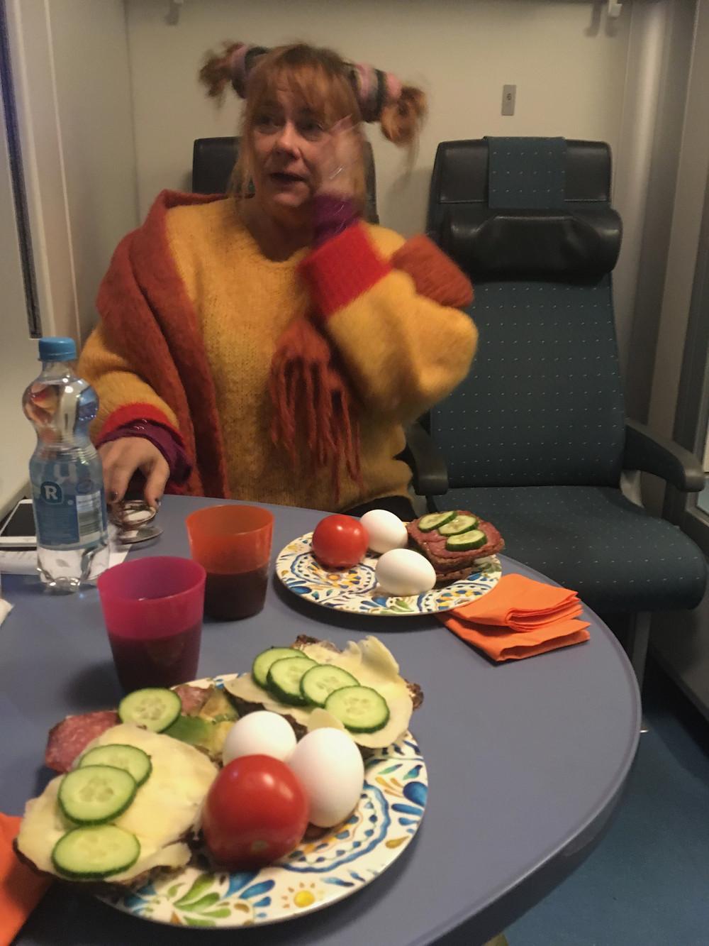 """""""Pippi"""" äter frukost."""