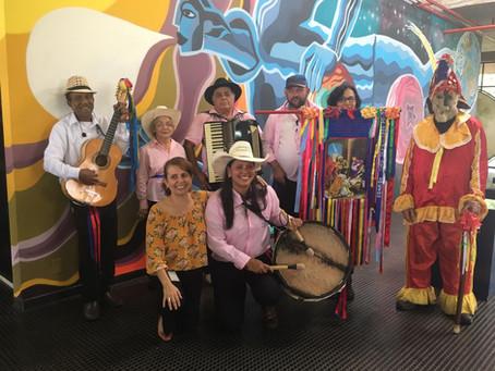 Tradição da Folia de Reis movimenta o centro da cidade nesta segunda-feira