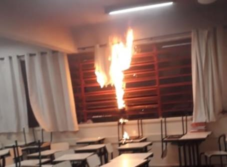 Aluno coloca fogo em cortina de escola de Sumaré