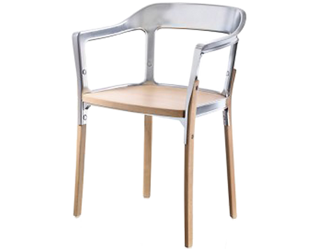 STEELWOOD CHAIR von MAGIS ist als Armlehnstuhl in verschiedenen Kombinationsmöglichkeiten lieferbar. So sind wahlweise der Sitz, Beine und Rückenlehne farblich unterschiedlich zu gestalten. Lieferbar für die Beine, Sitz und Rückenlehne sind die Farben Rot, Weiss und Schwarz. Filzgleiter sind bei STEELWOOD CHAIR serienmässig mit eingeschlossen.