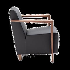 Der Sessel DRESDEN mit niedriger oder hoher Rückenlehne ist die ideale Ergänzung zu Sofas und Gruppen der Firma FRANZ FERTIG. DRESDEN ist aber auch als Solist, vor allem in Verbindung mit dem passenden Hocker, eine hervorragende Wahl. Durch das Sitzgefälle bietet der Sessel  DRESDEN einen hervorragenden Sitzkomfort.