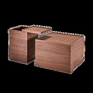 WOOD BOX ist in Eiche sowie Nussbaum massiv/teilmassiv erhältlich. Die Oberplatte und der Zwischenboden sind um 360 Grad drehbar. WOOD BOX kann als Beistell- oder Nachttisch genutzt werden und bietet viel Stauraum im Innenbereich. Erhältlich in zwei Grundmassen.