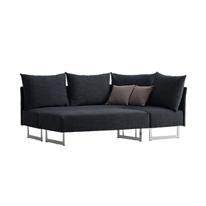Die junge Polsterecke TAIPEI von FRANZ FERTIG lädt nicht nur zum Sitzen, sondern auch zum Wohlfühlen, Entspannen und Schlafen ein. Eine Oase der Ruhe. Der Beistellhocker bietet außerdem die Möglichkeit ihn am Sofa zu befestigen, eine Sitzgelegenheit für 2–3 weitere Personen und einen Bettkasten der zusätzlichen Stauraum für Decken, Kissen, etc. parat hat. Mit einer Breite von 205 x 145 cm, Schlafmaß 200 x 140 cm, ist die TAIPEI eines der kleinsten Ecksofas auf dem Markt. Zudem lässt sich auch eine Armlehne wahlweise an das kurze oder an das lange Ende montieren. In ca. 200 verschiedenen Stoff- und Microfaserbezugsmöglichkeiten.