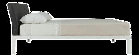 Eine Bett-Innovationist D. Blue von Piero Lissoni, mit einem geneigten und gepolsterten Kopfteil, bündig mit dem Alu-Rahmen, in Weisslackiert. Eine intuitive Arbeit, bezaubernd in seiner Linearität und Leichtigkeit, die mit ihrer besonderen Neutralität leicht zu jedem Ambiente passt. Bettrahmen aus Weisslackiertem Aluminium, gepolsterter Kopfteil in Leder oder Kunstleder oder Stoffbezug in allen Farben der Porro Farbkollektion.
