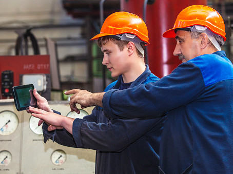 7 Crucial Topics To Include In Your Employee Safety Training Program