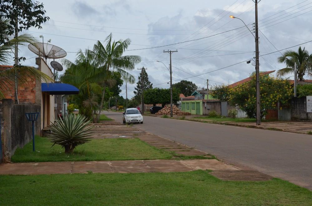 Rua em que o crime aconteceu. O homicídio será investigado pela Polícia Civil (Foto: Aline Lopes/G1)
