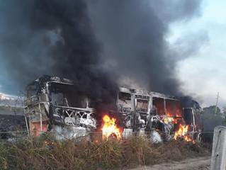 Colisão entre micro-ônibus e caminhão tanque deixa pelo menos 3 mortos em RO