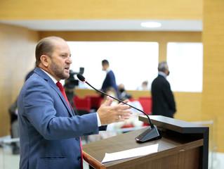Cirone Deiró agradece o senador Marcos Rogério