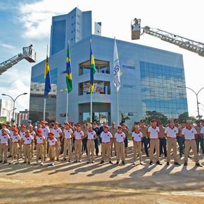 Deputado Alex Silva comanda entrega de Voto de Louvor, Título Honorífico e Medalha a bombeiros milit
