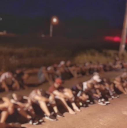 Por desordem, quase 200 pessoas são conduzidas pela PM à Unisp em Rolim de Moura RO