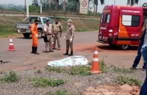 Acidente envolvendo moto e caminhão boiadeiro resulta na morte de motociclista em Cacoal