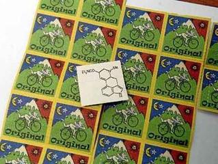 Efeitos do LSD duram por 12 horas por 'encaixe' em receptores cerebrais