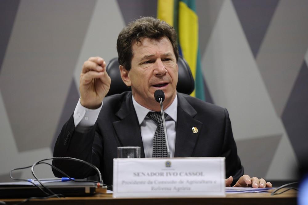 O senador Ivo Cassol (PP-RO), durante reunião da Comissão de Agricultura e Reforma Agrária, em outubro de 2017 (Foto: Edilson Rodrigues/Agência Senado)