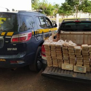 PRF encontra R$ 13 milhões em drogas dentro de carro na 163