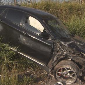 Motorista inabilitado capota BMW avaliada em mais de R$ 100
