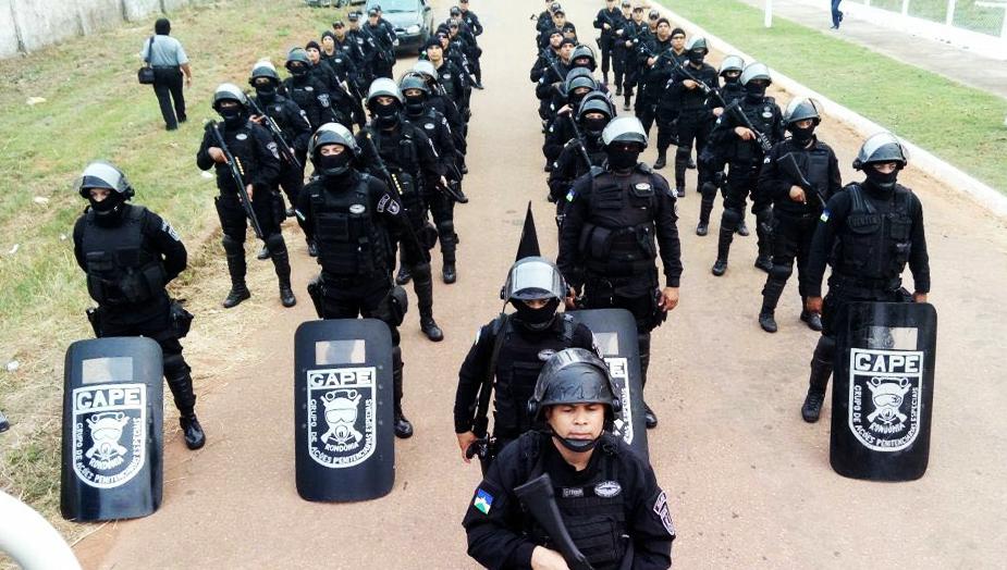 A foto em anexo é de um pelotão de agentes penitenciários da Capital