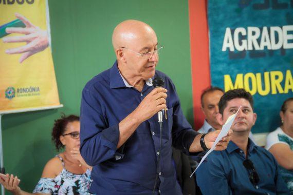 Governador Confúcio Moura entregou a escola municipal reformada