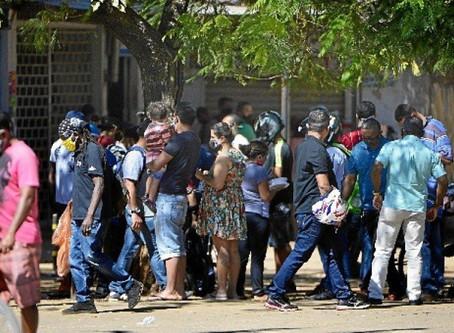 Taxa de transmissão da covid no Brasil volta a níveis de descontrole