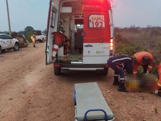 Motorista morre preso às ferragens após capotar caminhonete