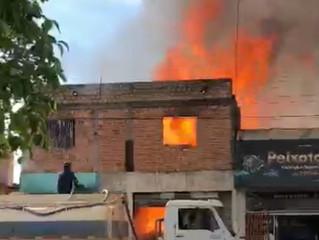 Grave  incêndio destruiu  empresas