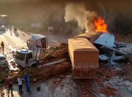 Urgente grave acidente  deixa pelo menos um morto e nove feridos