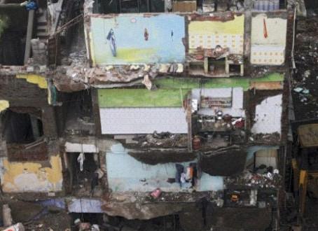 Desabamento de um edifício residencial deixa 10 mortos no oeste da Índia