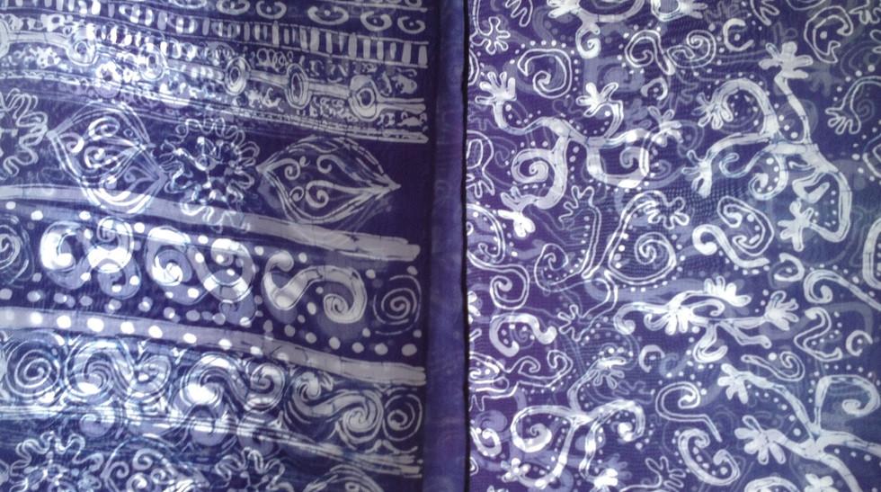 Mono-navy scarf detail
