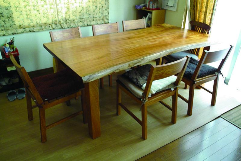 ケヤキのテーブル、KAKU chair