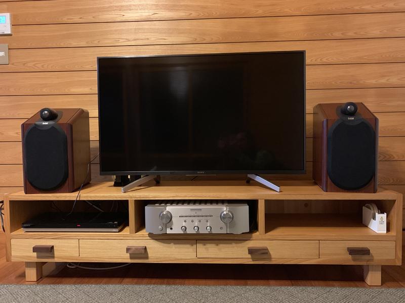 ケヤキのテレビボード